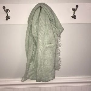 Gap mint scarf